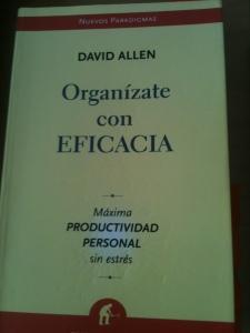 """Portada de """"Organízate con eficacia"""" de D. Allen"""