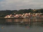 Vista de San Esteban de Pravia desde la otra orilla del Nalón